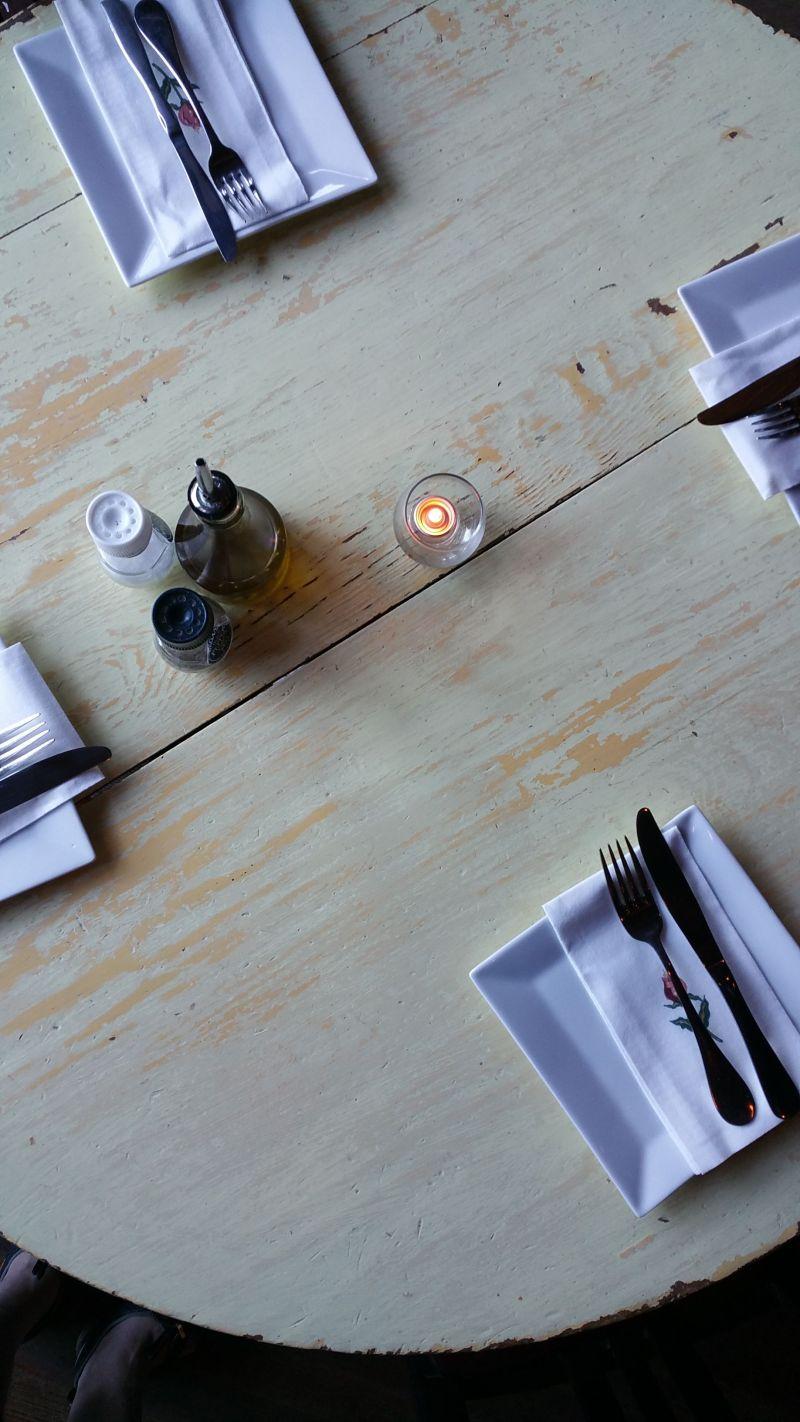 grana table mood 1